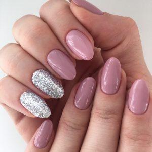 Nude and sparkles manicure